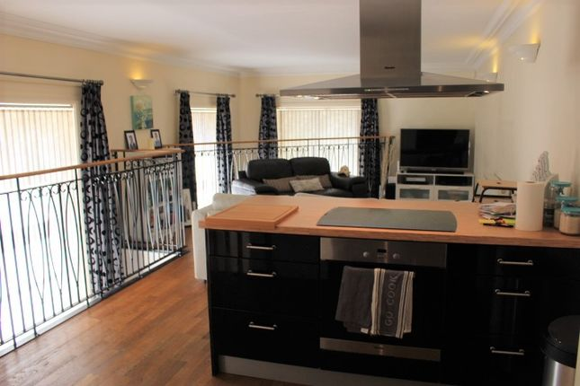 Thumbnail Flat for sale in Shrewsbury Street, Glossop