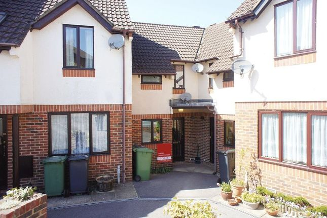 Thumbnail Terraced house to rent in Maltings Close, Alton