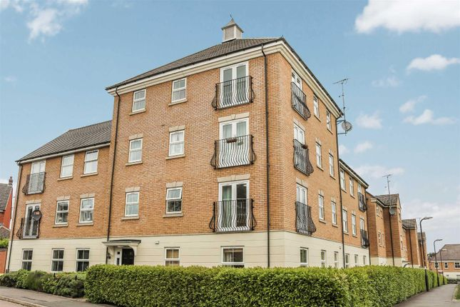 Thumbnail Flat for sale in Flaxdown Gardens, Coton Park, Rugby