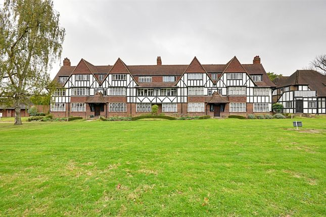 Thumbnail Flat to rent in Thanet Court, Queens Drive, Acton