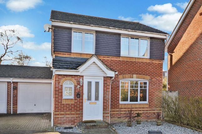 3 bed detached house for sale in Trenchard Avenue, Halton, Aylesbury