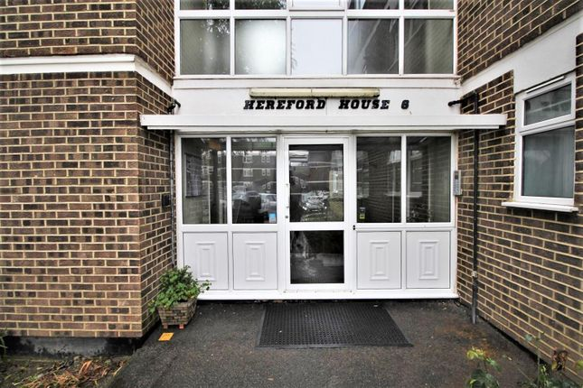 Thumbnail Flat for sale in Hereford House, Stratton Close, Edgware
