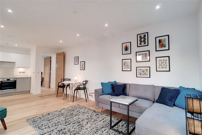 Thumbnail Flat to rent in Stop Lock Apartment, 4 Pound Path, London