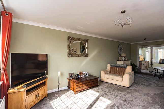 Living Room of Alverley Lane, Doncaster, South Yorkshire DN4