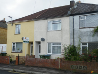 3 bed terraced house to rent in South Road, Southampton