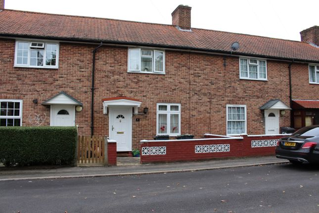 Thumbnail Terraced house for sale in Sandpit Road, Bromley