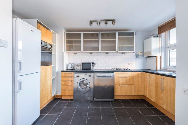 2 bed flat to rent in Fulham Road, Fulham SW6