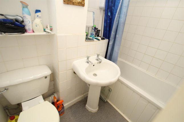 Flat to rent in Elstree Road, Woodhall Farm, Hemel Hempstead