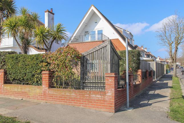 Thumbnail Detached house for sale in Chapmans Walk, Leigh-On-Sea