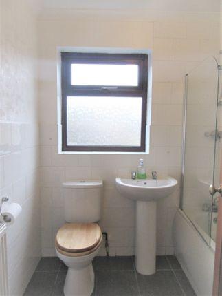 Bathroom of The Avenue, Lowestoft NR33
