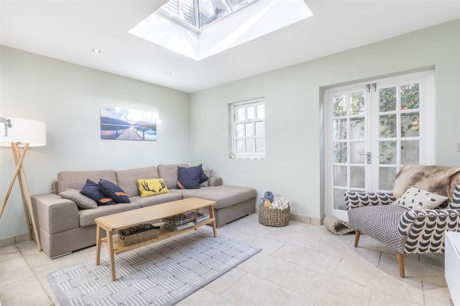 2 bed flat for sale in Temple Street, Brighton