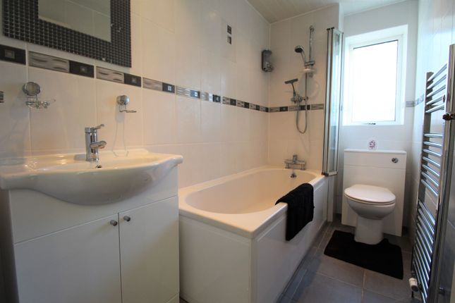 Bathroom of Western Avenue, Ellon AB41