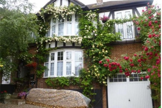 4 bed semi-detached house for sale in Avenue Approach, Kings Langley