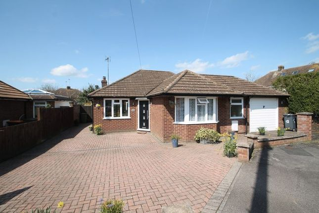 Thumbnail Detached bungalow for sale in Marina Drive, Dunstable, Bedfordshire