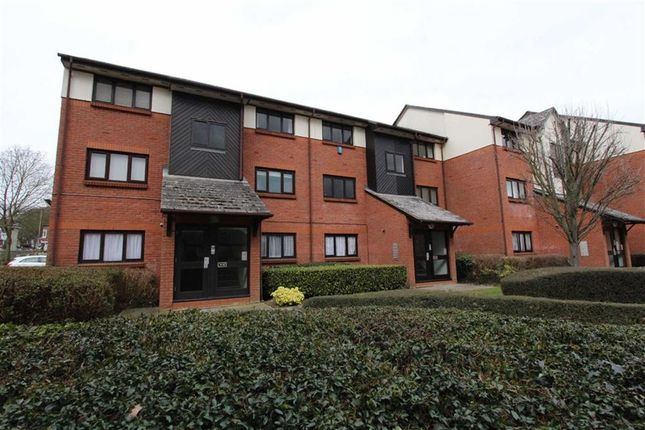 Thumbnail Flat for sale in Maple Gate, Loughton, Essex