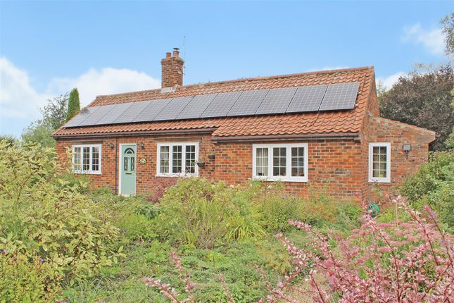 Thumbnail Bungalow for sale in Halton Fenside, Halton Holegate, Spilsby
