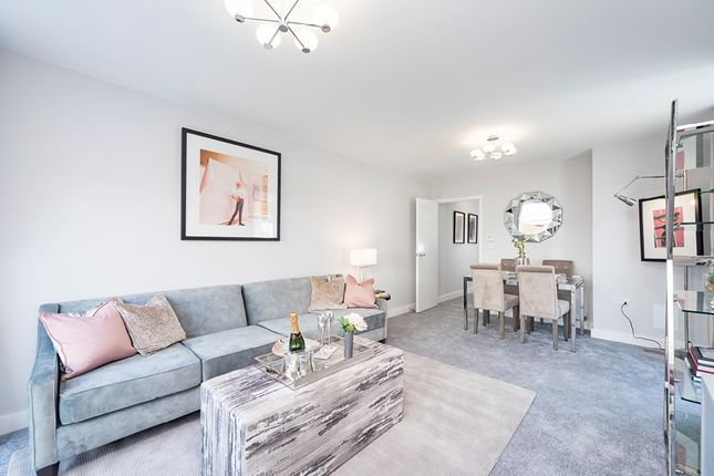 Thumbnail Flat for sale in Hickman Avenue, Highams Park