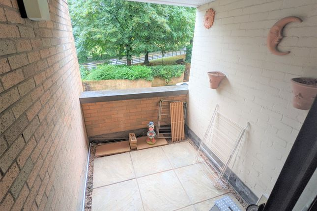 2 bed flat to rent in Rhosilli House, The Crescent, Llandaff, Cardiff CF5