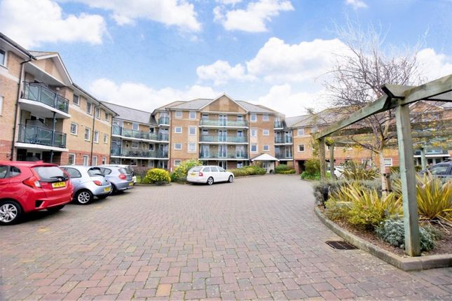 1 bed flat for sale in Large Balcony, Views Over Swannery, No Onward Chain DT4