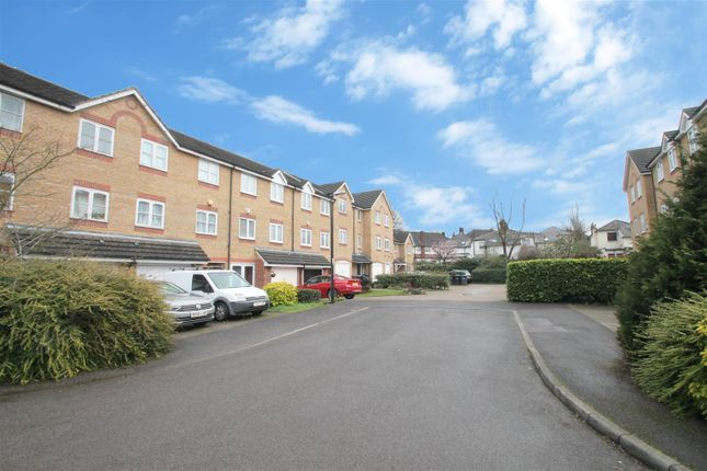 Thumbnail Town house for sale in Westminster Drive, Palmers Green, London