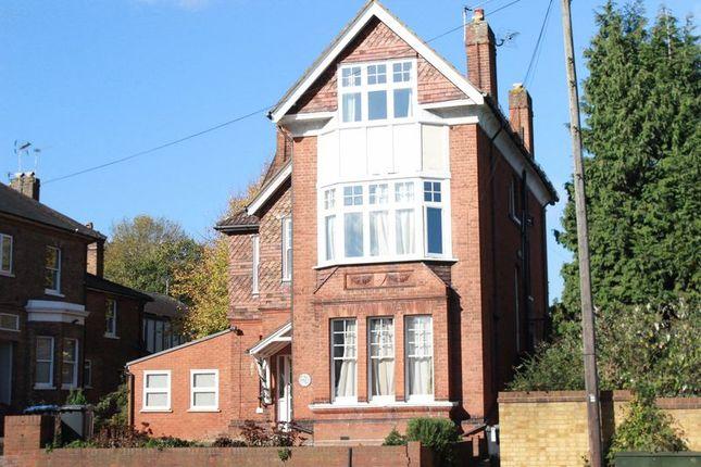 Thumbnail Flat for sale in Hillside, Egham Hill, Egham