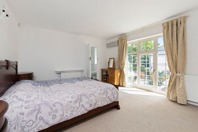 Detached house to rent in Warren Road, Kingston Upon Thames, Surrey