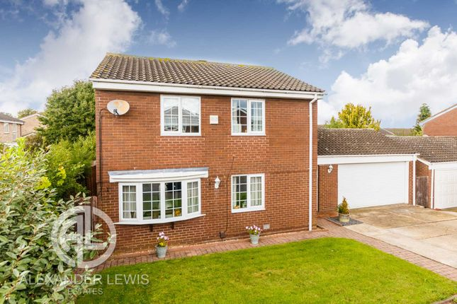 Thumbnail Detached house for sale in Blackmore, Letchworth