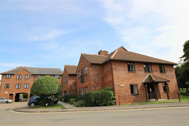 Thumbnail Flat for sale in Chippenham Court, Monmouth