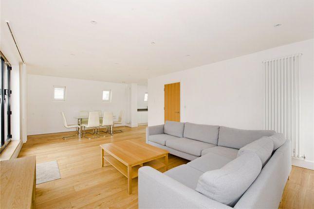 Thumbnail Flat to rent in Orleston Road, Islington, London