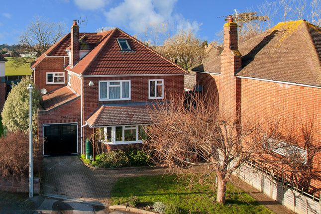 Thumbnail Property for sale in Mount Field, Faversham