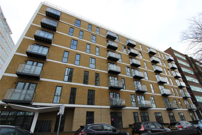 Thumbnail Flat for sale in The Avenue, Southend On Sea, Esse