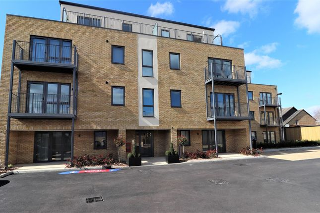 Thumbnail Flat to rent in Long Lane, Hillingdon, Uxbridge