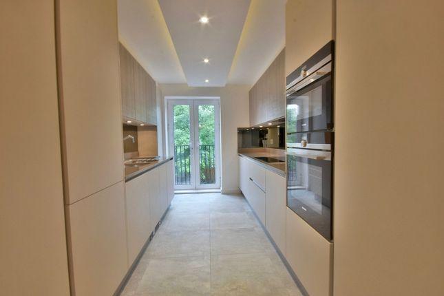 Thumbnail Flat to rent in Parson Street, London