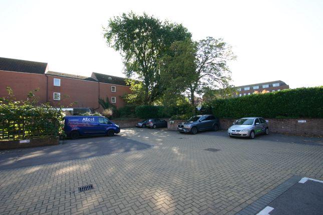 Parking/garage to let in West Quay, Bridgwater