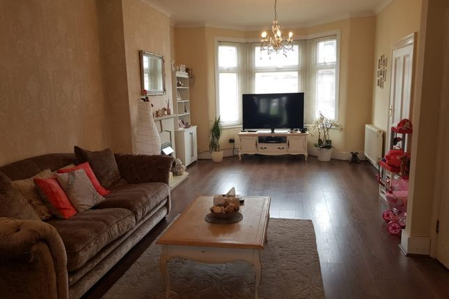 Thumbnail Terraced house for sale in Mortlake Road, Ilford