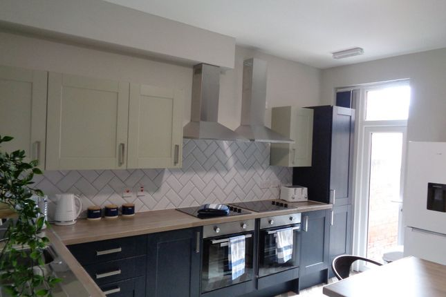 5 bed shared accommodation to rent in Oswin Avenue, Doncaster DN4