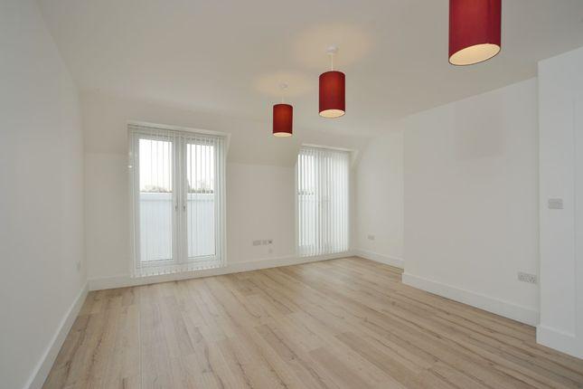 Thumbnail Flat to rent in Linburn House, Kilburn High Road, Kilburn NW6, Kilburn High Road, Kilburn,