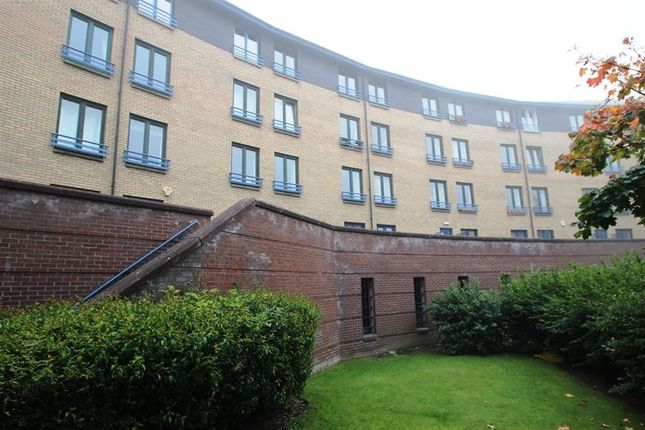 Thumbnail Flat to rent in Turnbull Street, Glasgow