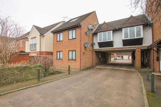 Studio for sale in Bicester Road, Aylesbury HP19