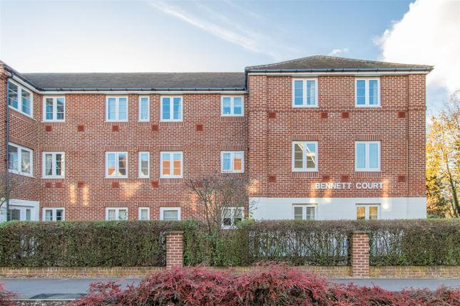 Thumbnail Flat for sale in Bennett Court, Station Road, Letchworth Garden City
