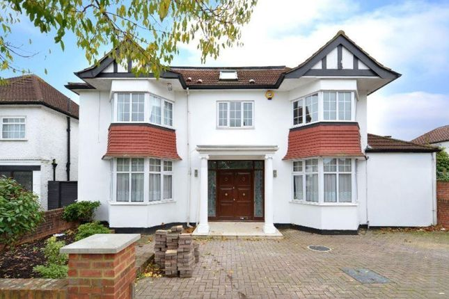 Thumbnail Property to rent in Elliot Road, Hendon