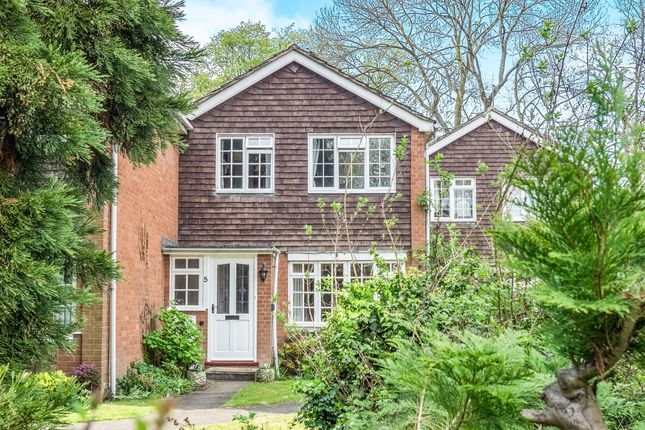Thumbnail Town house for sale in Stuart Close, Warwick