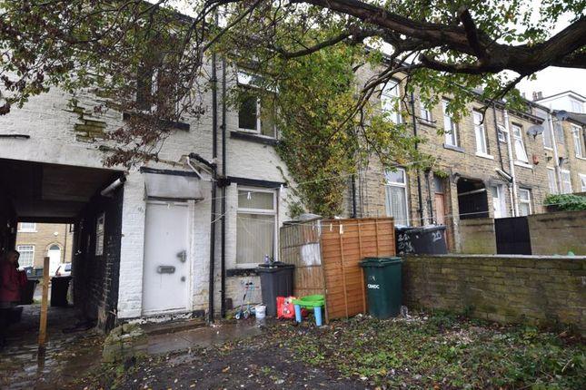 Photo 1 of Washington Street, Girlington, Bradford BD8