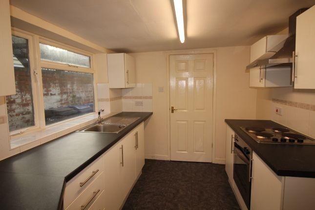 Thumbnail 1 bed flat to rent in Uxbridge St, Burton On Trent