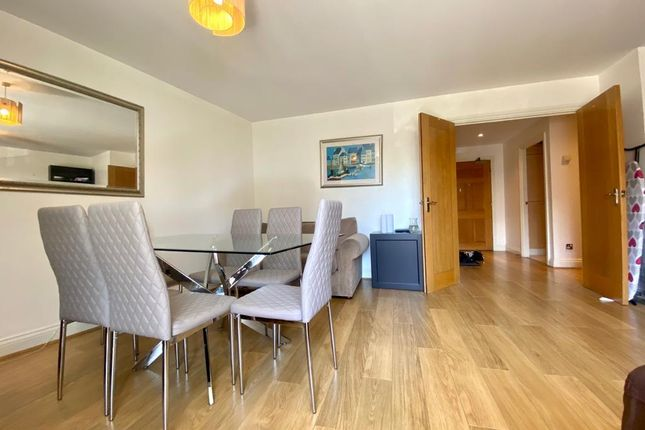 2 bed flat to rent in Palgrave Gardens, London NW1