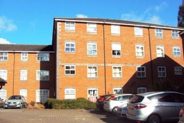 Flat to rent in Drapers Field, Canal Basin, Coventry