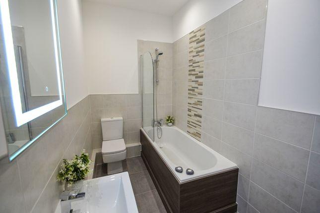 Bathroom of South Parade, Nottingham NG1