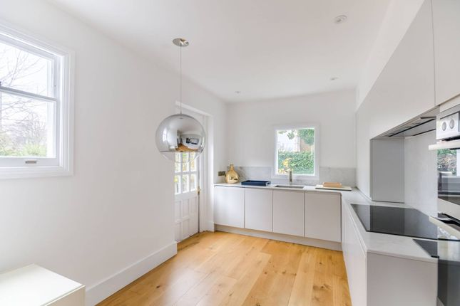 Maisonette for sale in Prince Of Wales Drive, Prince Of Wales Drive, London