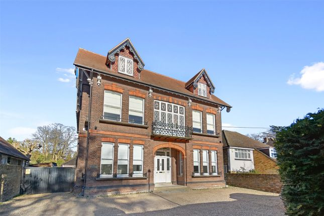 Thumbnail Detached house to rent in Nightingale Road, Rickmansworth, Hertfordshire
