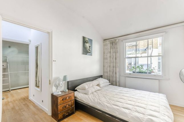2 bed property to rent in Stanhope Mews South, South Kensington, London SW7